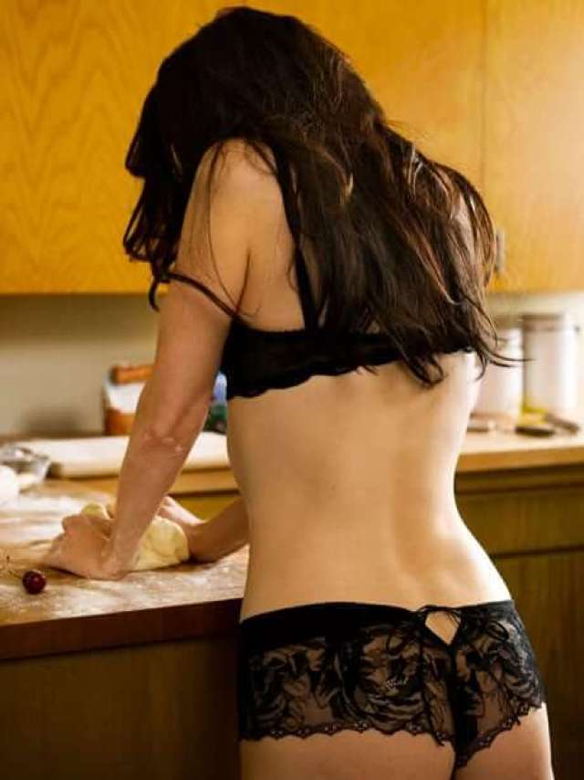 Mary-Louise Parker sexy ass