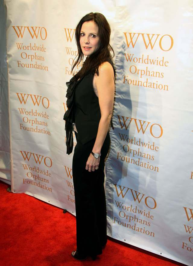 Mary-Louise Parker sexy long dress pic
