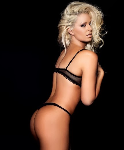 Maryse Ouellet butt hot