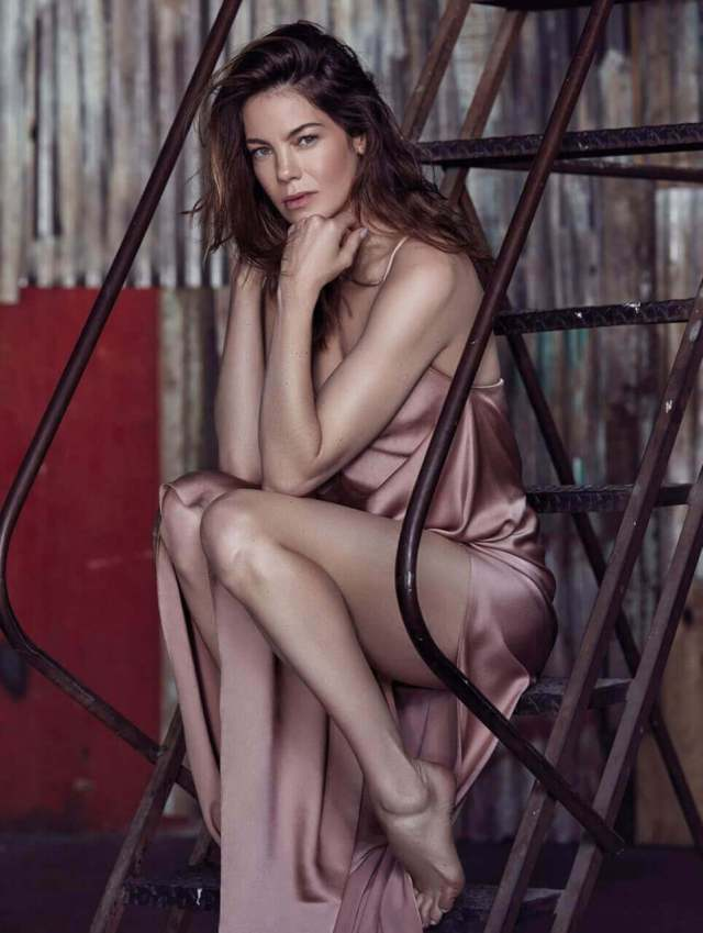 Michelle Monaghan sexy thigh (1)