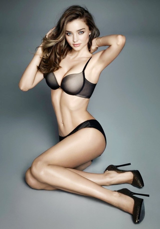 Miranda Kerr boobs pictures (1)