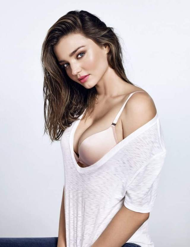 Miranda Kerr side boobs pictures (1)
