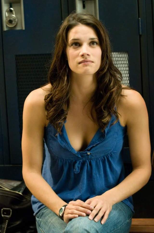 Missy Peregrym beautifull look pictures (1)