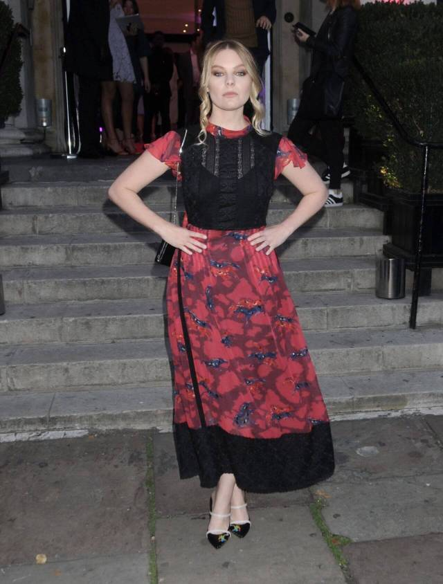 Nell Hudson awesome look