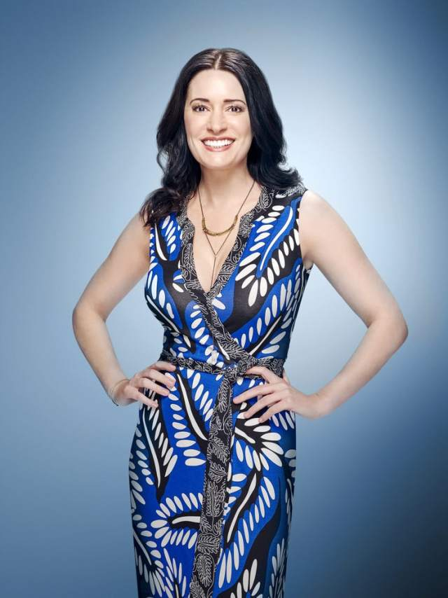 Paget-Brewster sexy pics