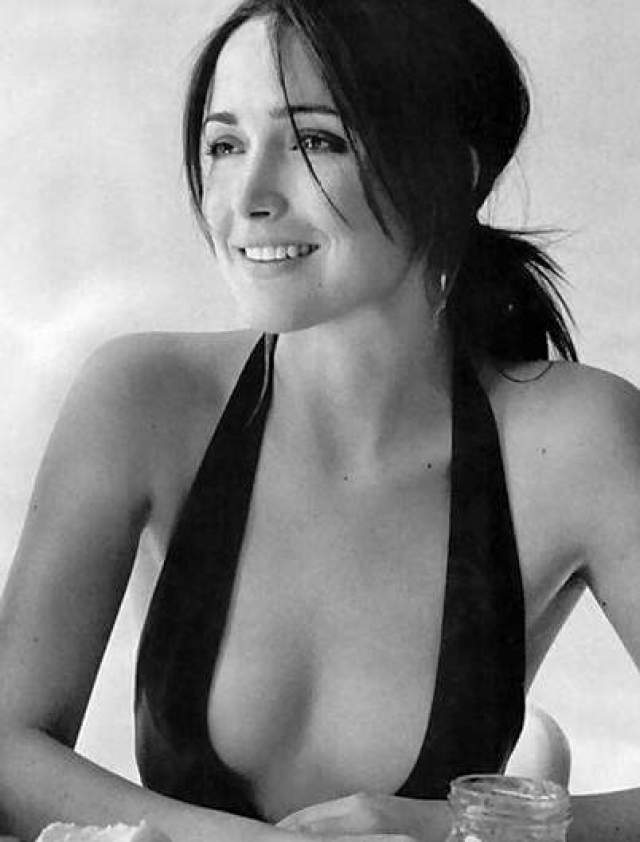 Rose Byrne beautiful picture (4)
