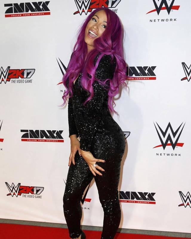Sasha Banks sexy butt