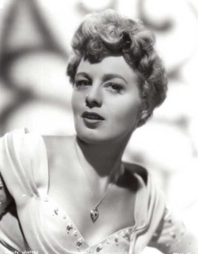 Shelley Winters hot cleavage pics (2)