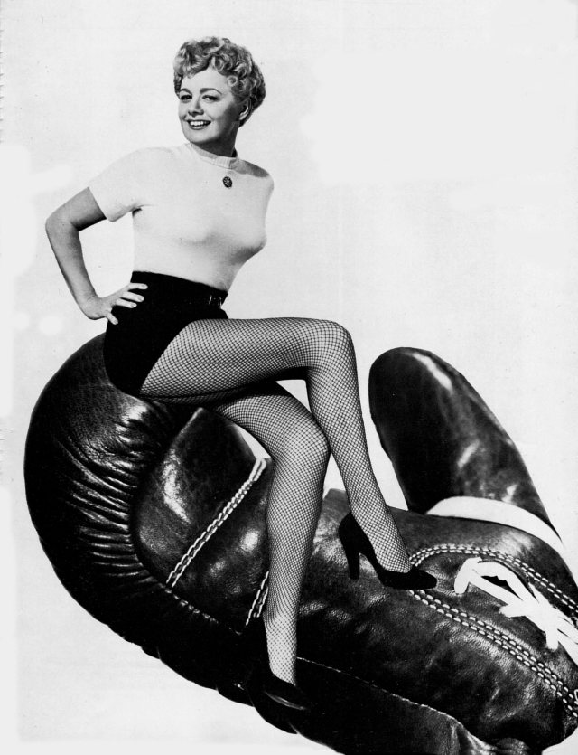 Shelley Winters hot pics (4)