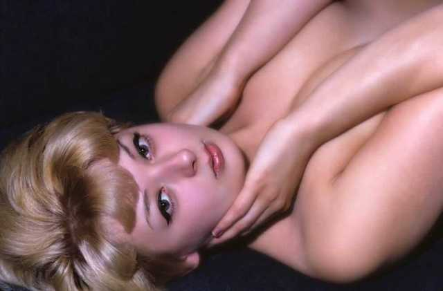 Shelley Winters near nude pics