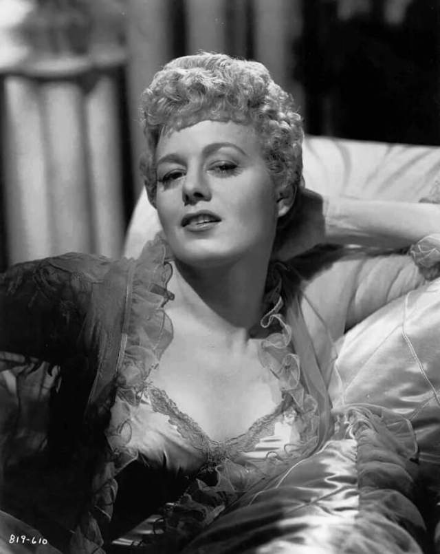 Shelley Winters sexy boobs pictures (4)