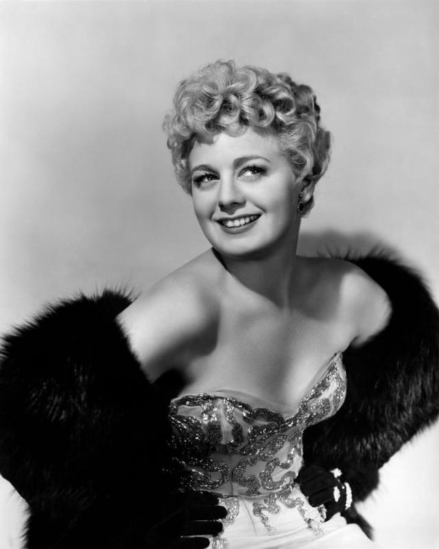 Shelley Winters sexy boobs pictures (5)