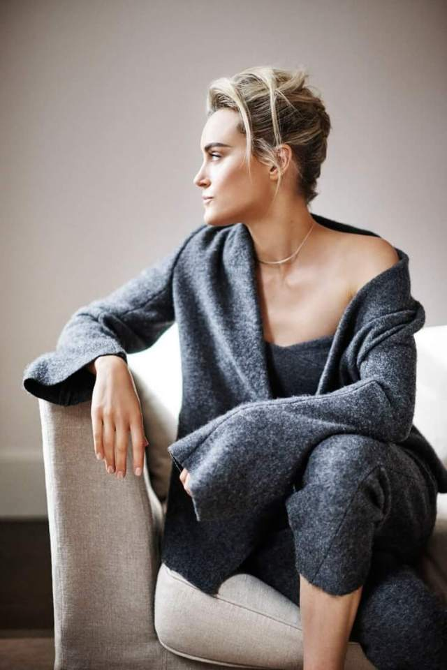 Taylor Schilling sexy pictures (1)