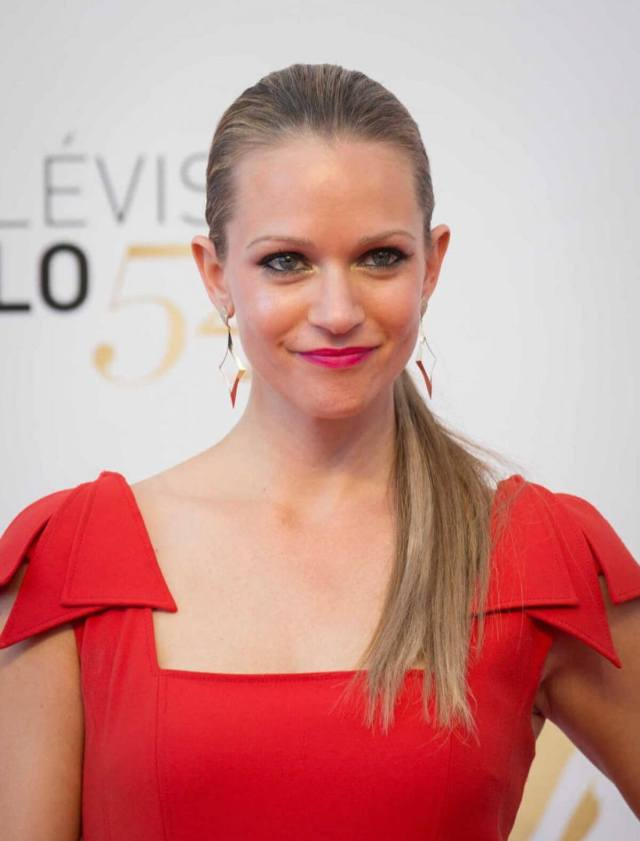 a.j.-cook-red-dress