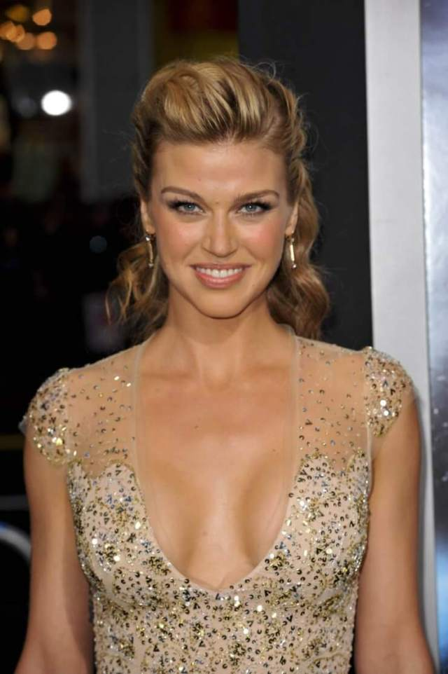 adrianne palicki sexy cleavage (1)