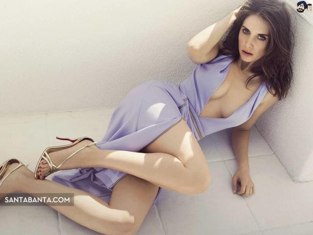 alison-brie-sexy-feet