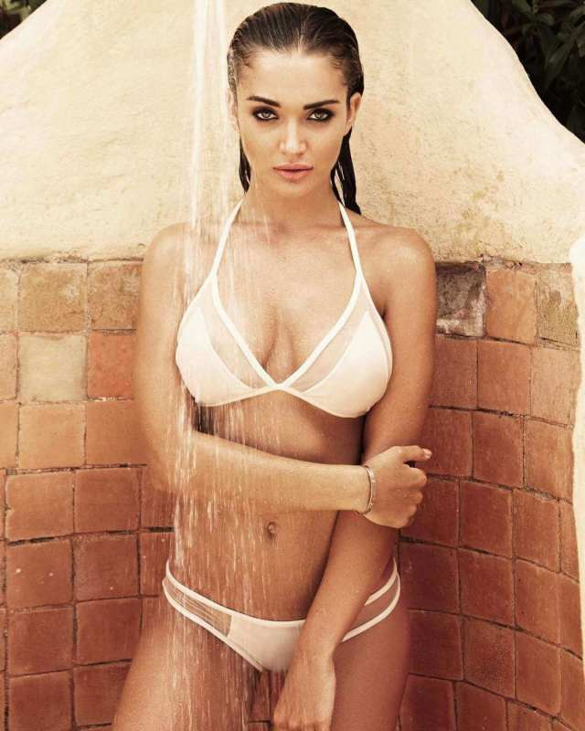 amy jackson sexy wet look pic