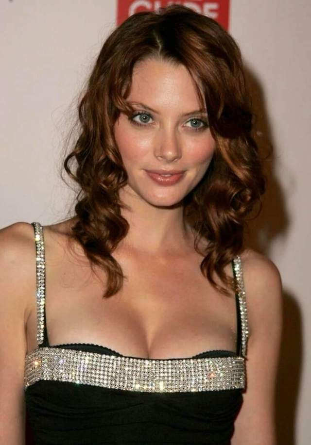 april bowlby bikini pictures (5)