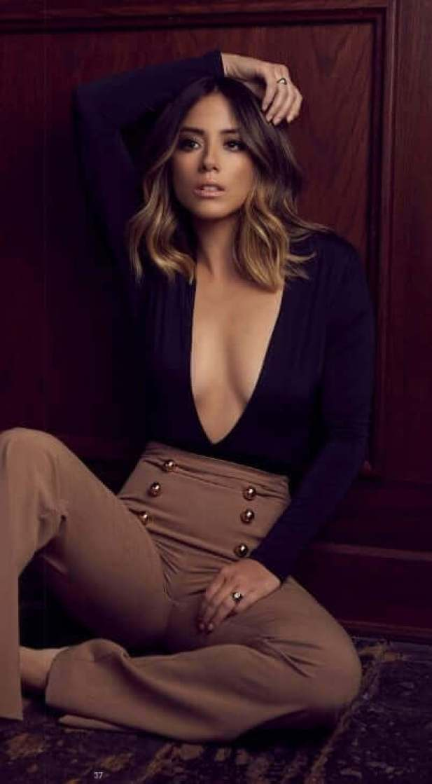 chloe bennet cleavage pictures