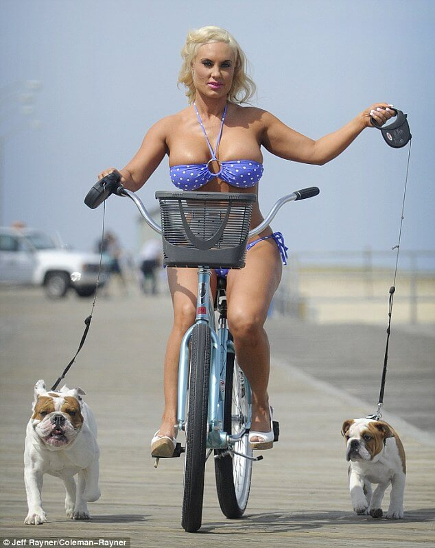 coco austin sexy look pic