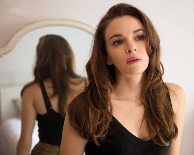 danielle panabaker sexy look (2)