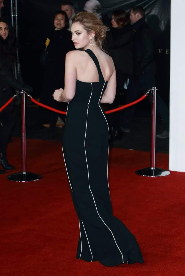 lily james booty sexy (2)