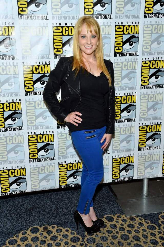 melissa rauch awesome picture