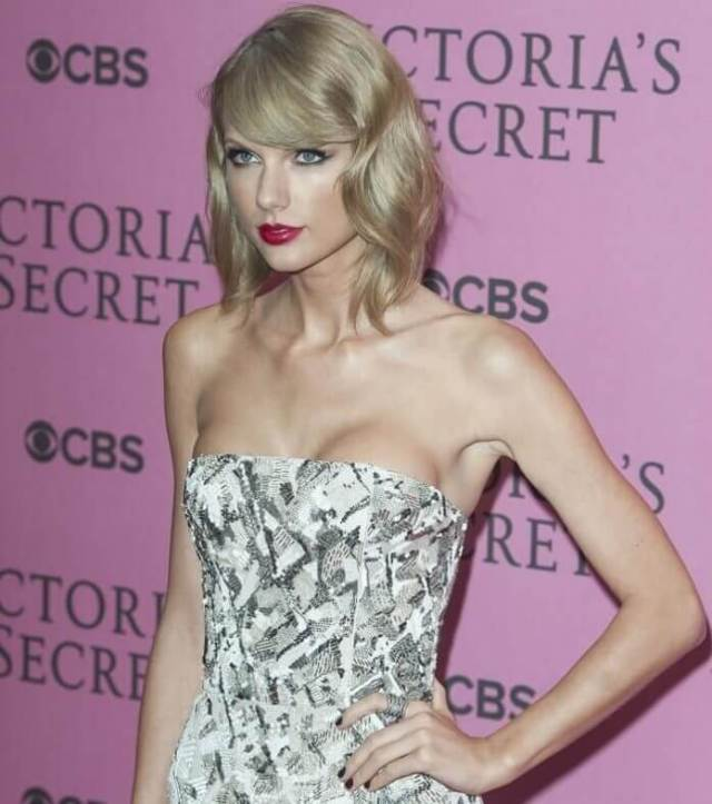 taylor swift hot cleavage pics (1)