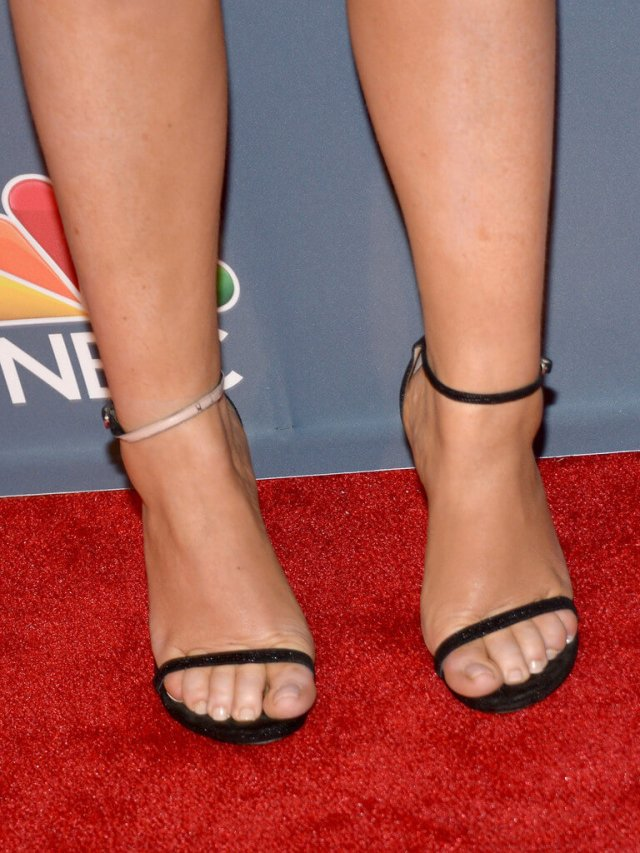 Amy Poehler sexy feet picture