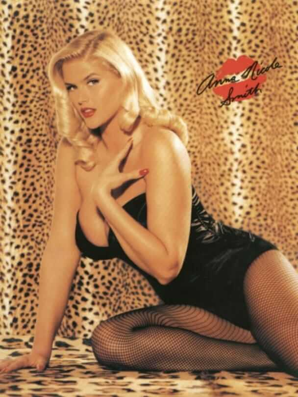 Anna Nicole Smith hot cleavage pics