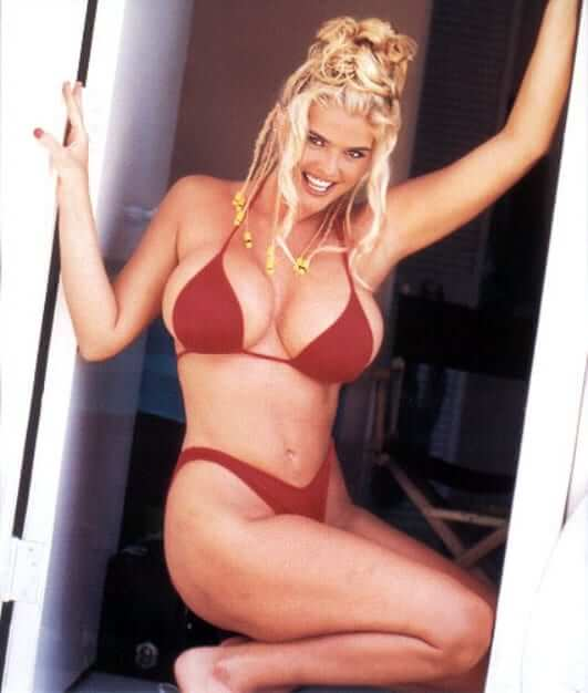 Anna Nicole Smith sexy lingeire pic