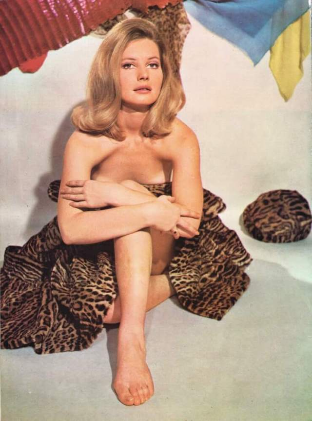 Catherine Schell hot pic