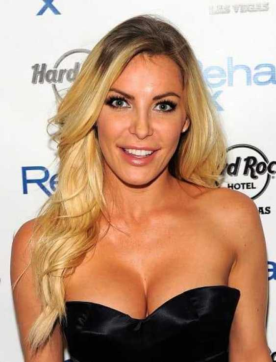 Crystal Hefner hot boobs pics