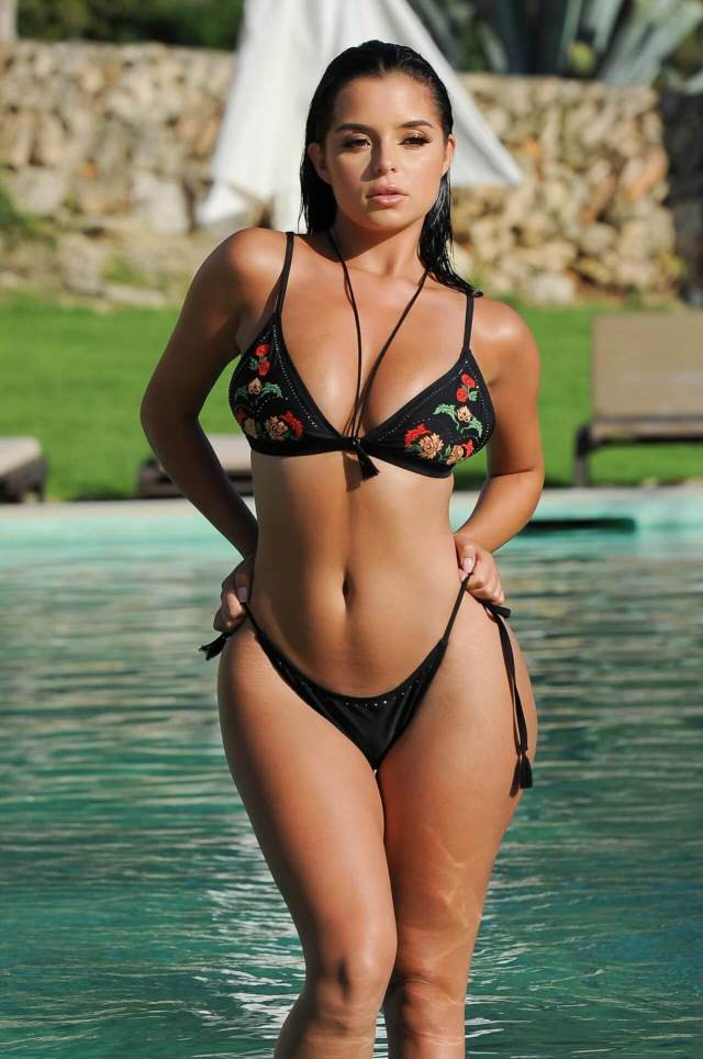 Demi Rose hot pictures (2)
