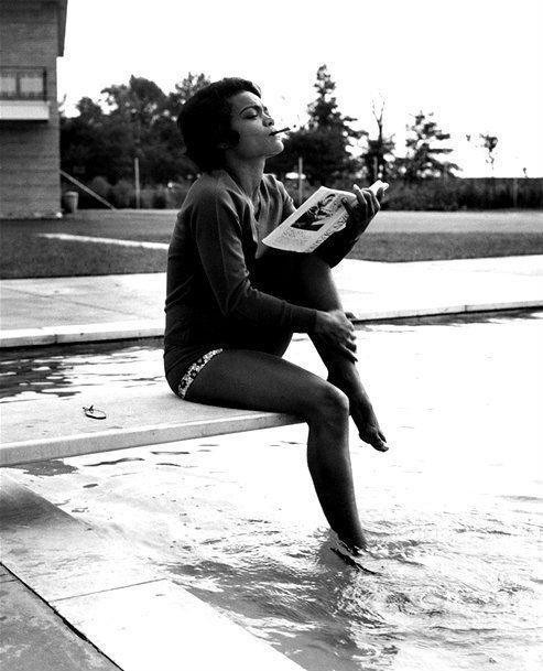 Eartha Kitt thighs hot