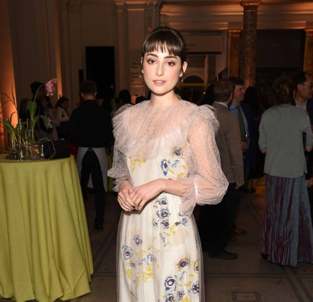 Ellise Chappell hot pictures