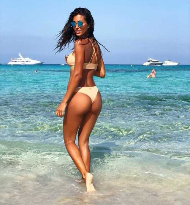 Federica Nargi hot ass pics
