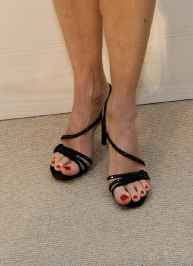 Jodie Foster hot toe nails