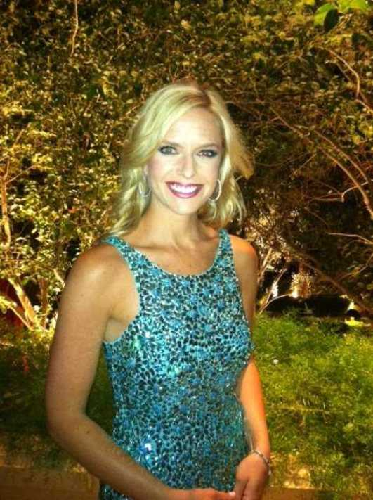 Kathryn Tappen sexy look pics