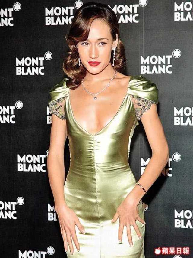 Maggie Q sexy cleavage pictures (1)