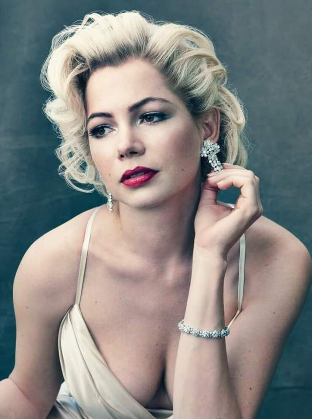 Michelle Williams bra size