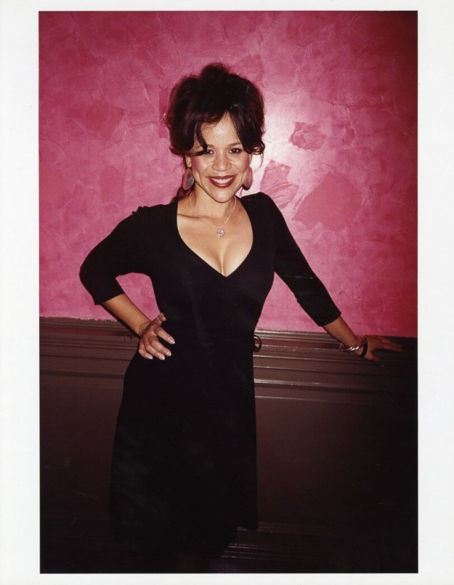 Rosie Perez hot cleavage pics