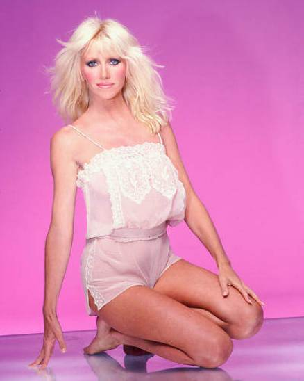 Suzanne Somers boobs