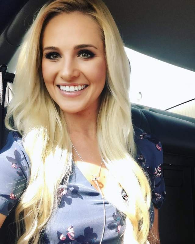 Tomi Lahren sexy look pictures (2)