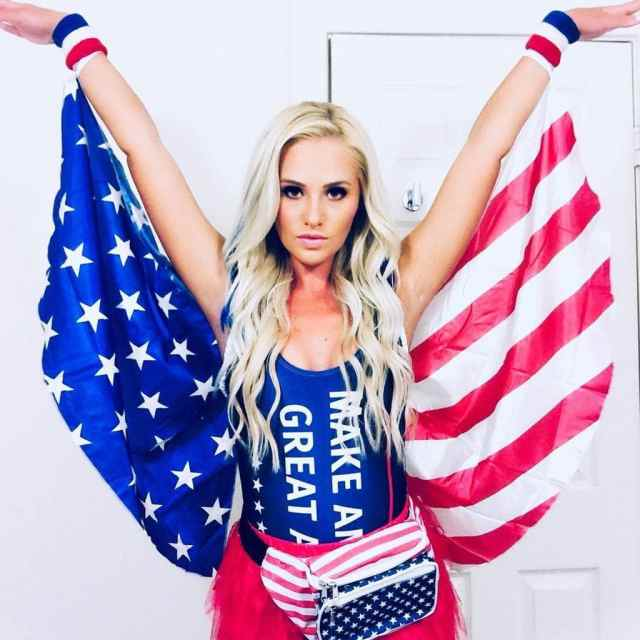 Tomi Lahren sexy look pictures (3)