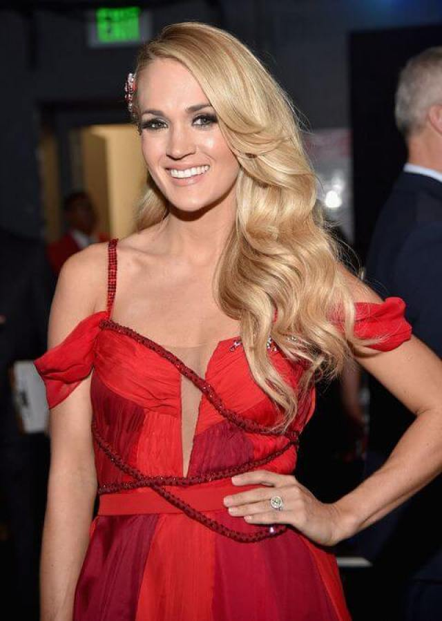 carrie underwood lovely pics