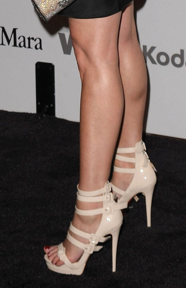 debra messing Sexy Feet Picture
