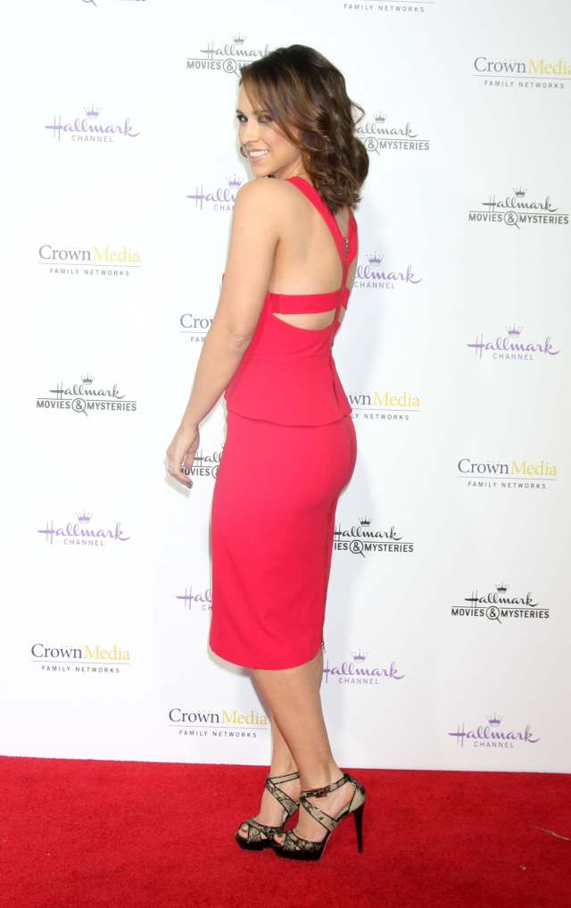 lacey chabert sexy foot