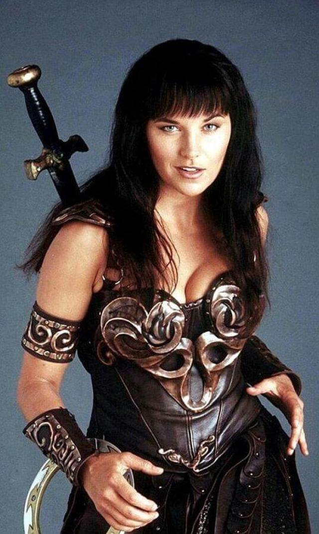 lucy-lawless-cool