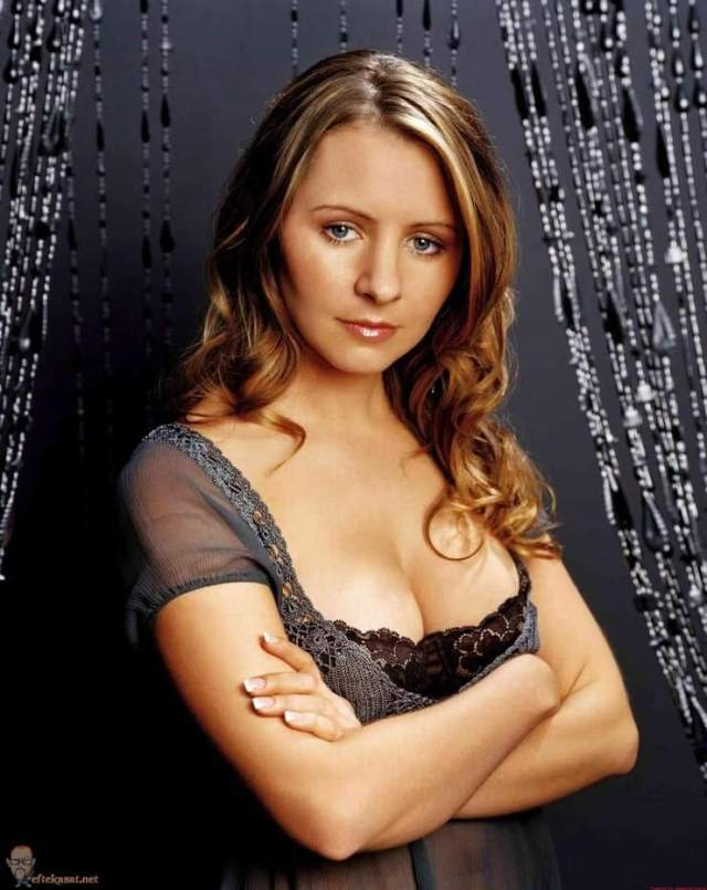 Beverley Mitchell sexy busty pics